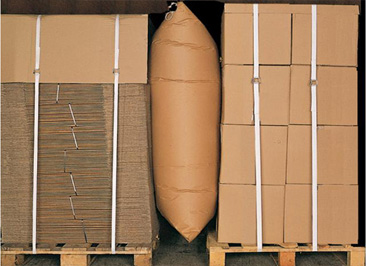large paper dunnage bag application image between cardboard boxes