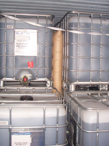 Mega Flow Paper Dunnage Bags application image between liquid containers